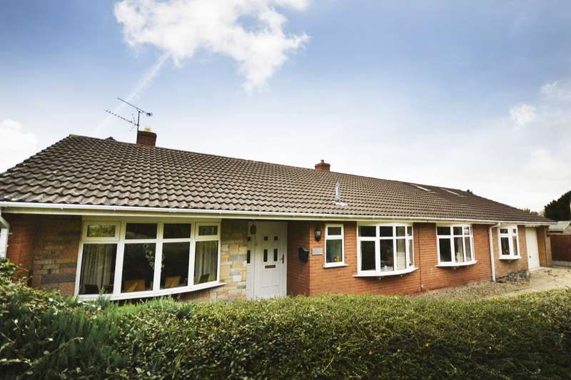 4 Bedrooms Detached Bungalow for sale in Station Road, Whittington, Oswestry, Shropshire, SY11