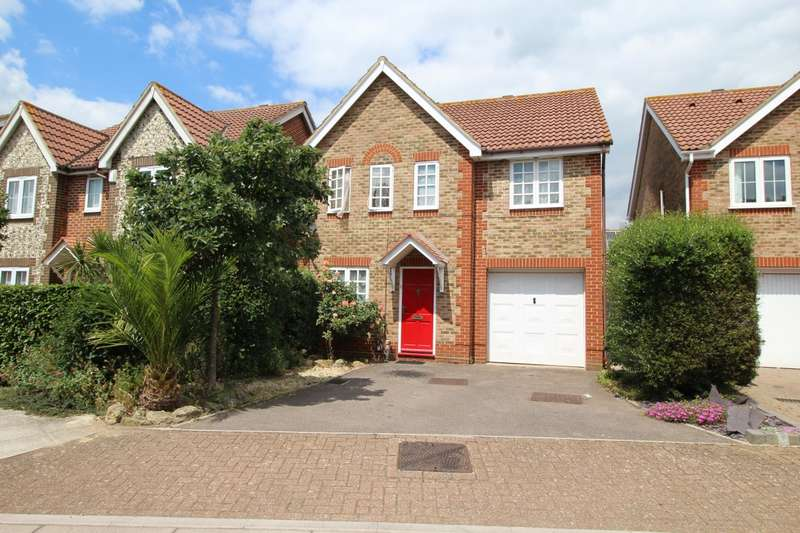 4 Bedrooms Detached House for sale in Edenbridge Road, Southsea, Hampshire, PO4