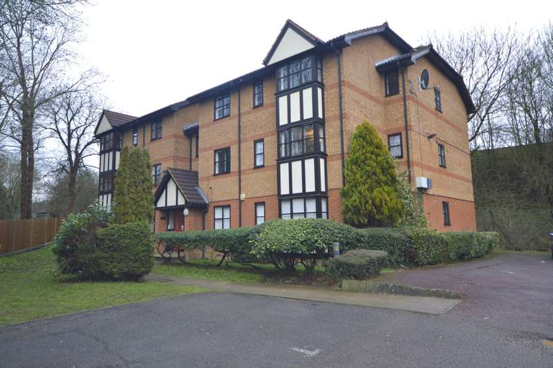 1 Bedroom Apartment Flat for sale in Osprey Close Falcon Way, Watford, WD25