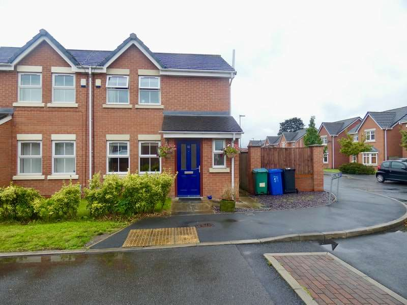 3 Bedrooms Semi Detached House for sale in Blakehill Drive, Warrington, Cheshire, WA5