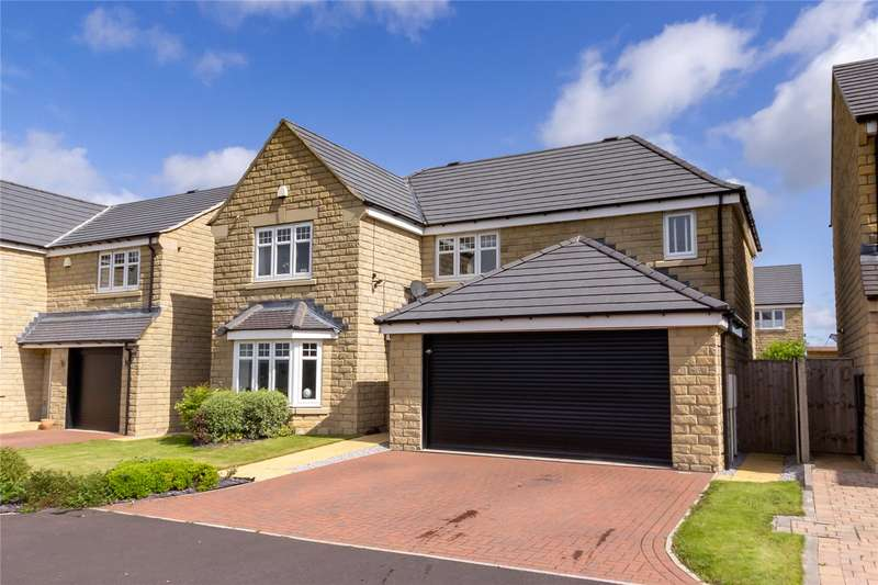 4 Bedrooms Detached House for sale in Pennine Avenue, Blackley, HALIFAX, West Yorkshire, HX5