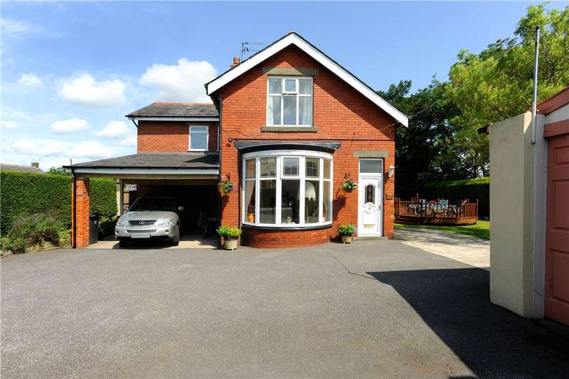 3 Bedrooms Detached House for sale in Crowtrees Lane, Brighouse, West Yorkshire
