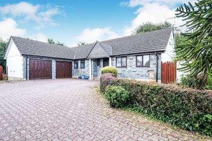 4 Bedrooms Bungalow for sale in St. Issey, Wadebridge, Cornwall