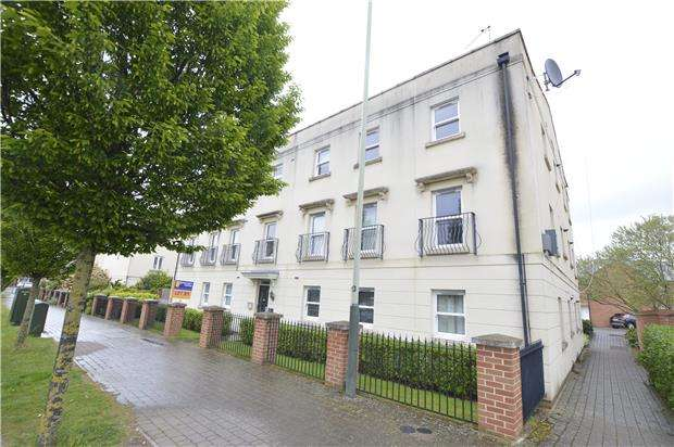 2 Bedrooms Flat for sale in Kempley Close, CHELTENHAM, Gloucestershire, GL52 5GB