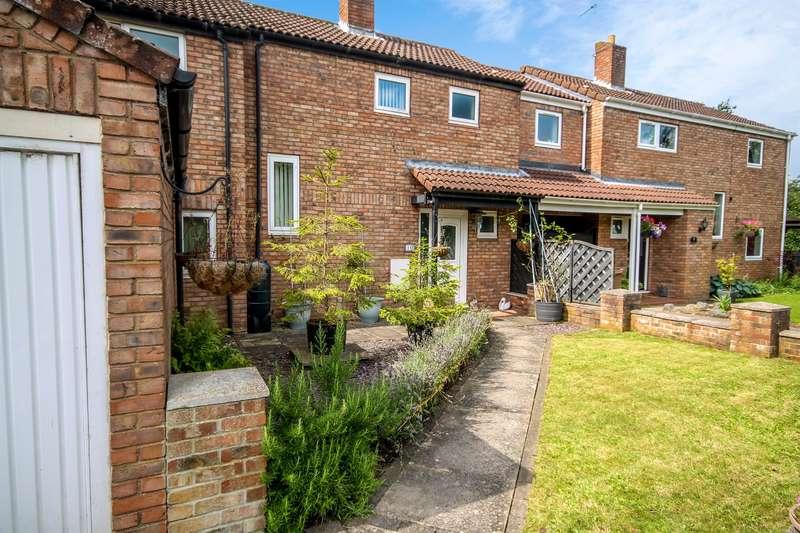 4 Bedrooms Semi Detached House for sale in Glebe Avenue, Full Sutton, York, YO41 1NX