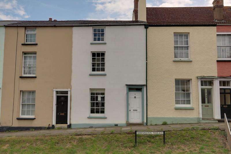 3 Bedrooms Terraced House for sale in Mornington Terrace, Newnham, Gloucestershire. GL14 1BG