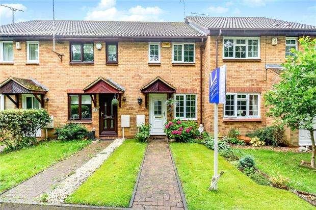 2 Bedrooms Terraced House for sale in Fledgelings Walk, Winslow, Buckingham