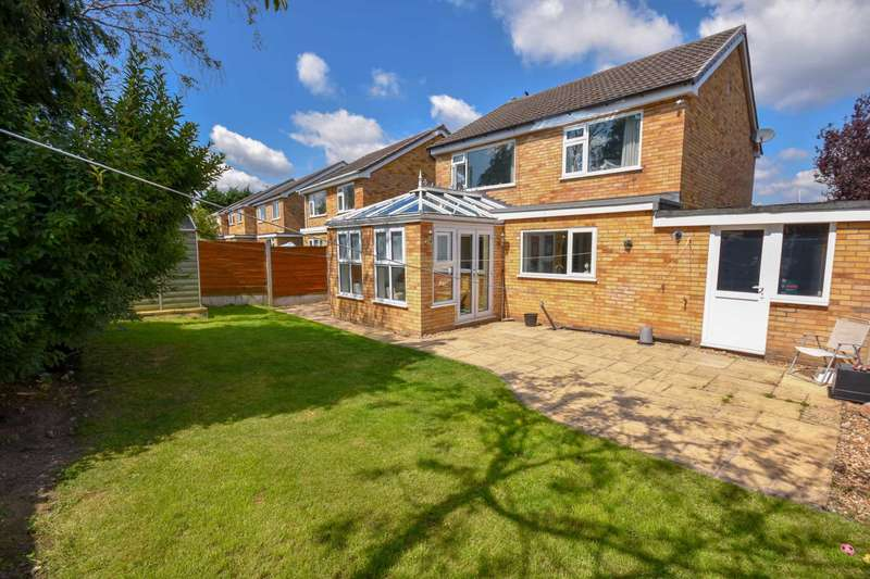4 Bedrooms Detached House for sale in LANARK CLOSE, HAZEL GROVE