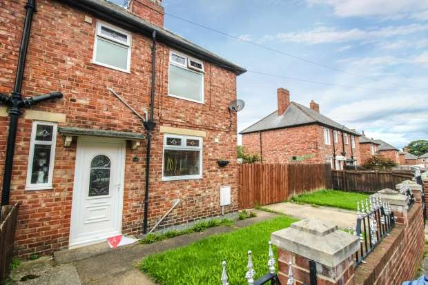 3 Bedrooms Semi Detached House for sale in Sycamore Avenue, South Shields, Tyne And Wear, NE34 8BG