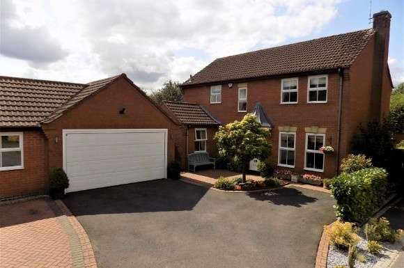4 Bedrooms Property for sale in Crown Hill Road, Burbage