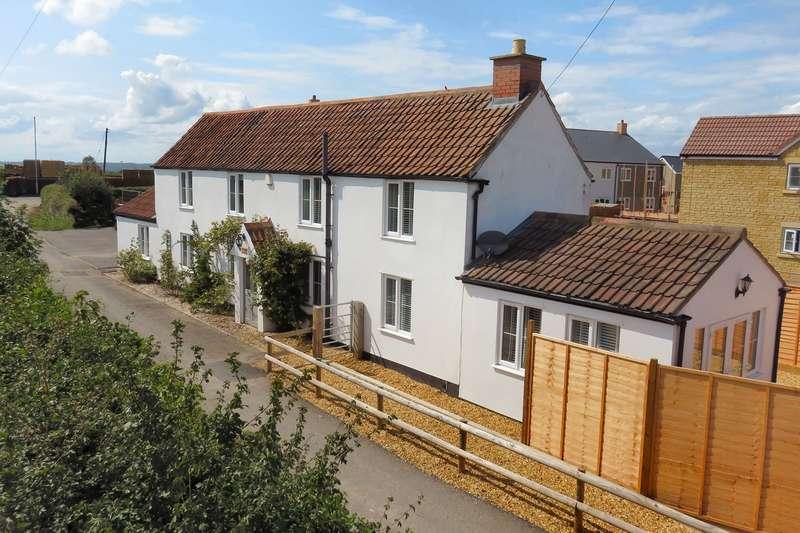 3 Bedrooms Detached House for sale in Horwood Lane, Wickwar, GL12