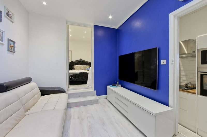 Flat for sale in Holloway Road, London N7