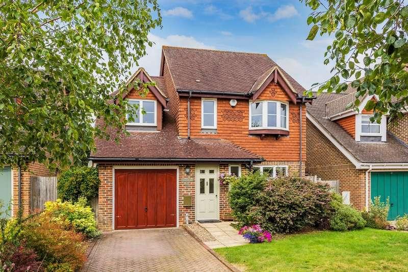4 Bedrooms Detached House for sale in Greshams Way, Edenbridge
