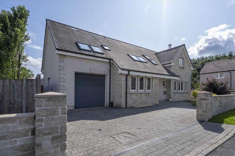 4 Bedrooms Detached House for sale in Wilson Avenue, Falkirk