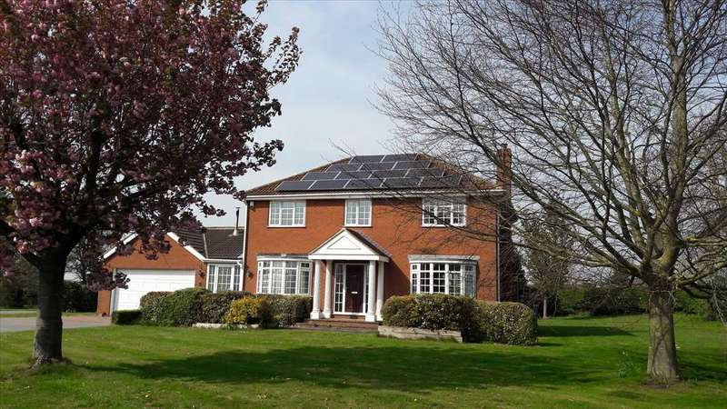 4 Bedrooms Detached House for sale in Clover Close House, Thorpe Street,, Headon, Retford