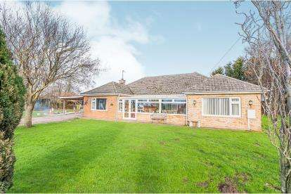 3 Bedrooms Bungalow for sale in New Hammond Beck Road, Wyberton Fen, Boston, Lincolnshire