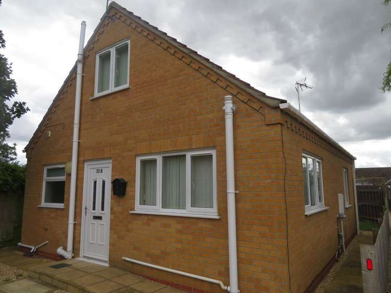 2 Bedrooms Detached House for sale in Field Avenue, Tydd St Giles, Wisbech, Cambs, PE13 5LJ