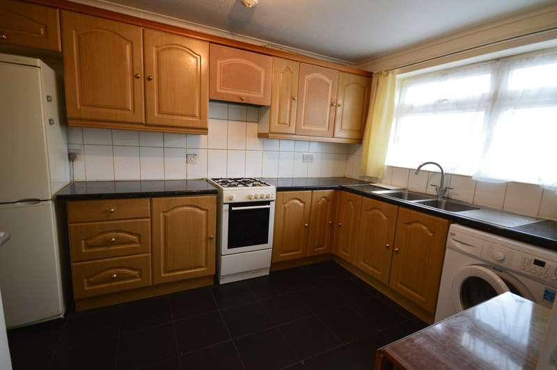 3 Bedrooms Apartment Flat for sale in Barking Road, Upton Park