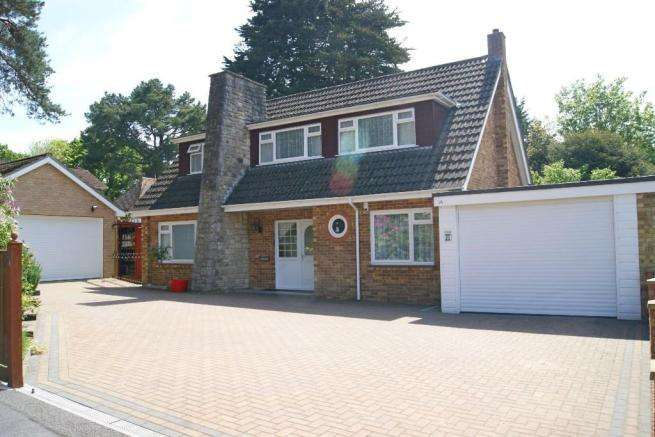 4 Bedrooms Detached House for sale in Hiltingbury Road, Hiltingbury, Chandlers Ford, Eastleigh, Hampshire