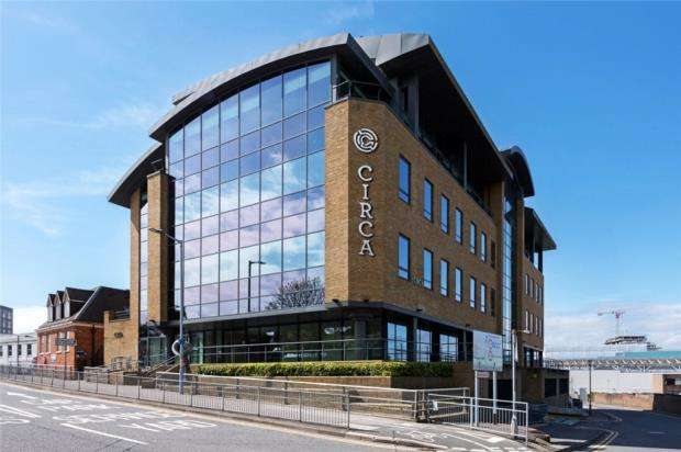 2 Bedrooms Apartment Flat for sale in The Ring, Bracknell, Berkshire