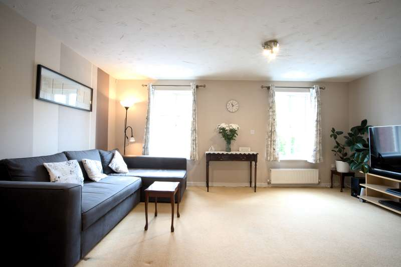 3 Bedrooms Terraced House for sale in Cheere Way, Papworth Everard, CB23