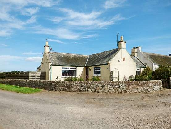 3 Bedrooms Cottage House for sale in Dove Cottage, Arbroath, Angus, DD11 4UZ