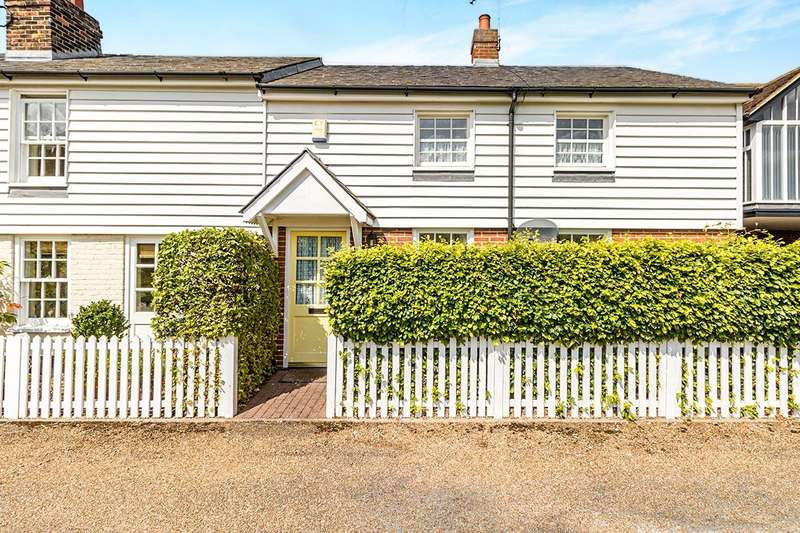3 Bedrooms End Of Terrace House for sale in Reeds Cottages, Windmill Lane, Oare, Faversham, Kent, ME13