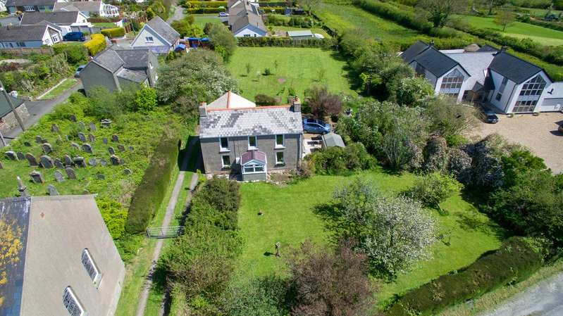 3 Bedrooms Detached House for sale in Park House, Chapel Lane, Templeton, Narberth