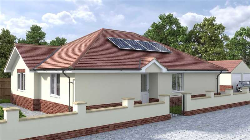 3 Bedrooms Bungalow for sale in Seafields Road, Holland-on-Sea