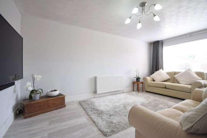 4 Bedrooms Detached House for rent in Delane Drive, Winnersh, Wokingham, Berkshire, RG41