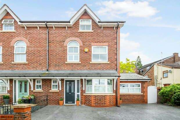 3 Bedrooms Semi Detached House for sale in Osborne Road, Altrincham