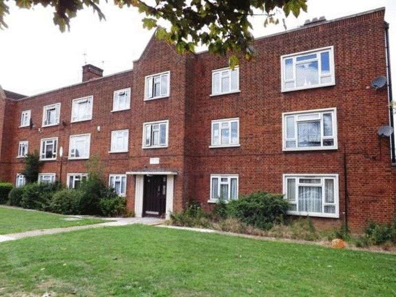 2 Bedrooms Property for sale in Valley Hill, Loughton