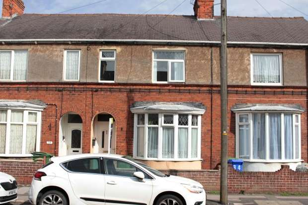 3 Bedrooms Terraced House for sale in Arthur Street, Withernsea, North Humberside, HU19 2AB