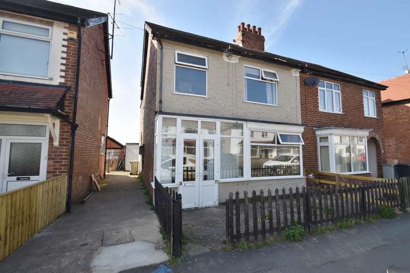 Semi Detached House for sale in Cavendish Road, Skegness, PE25
