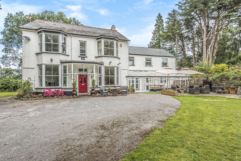 9 Bedrooms Detached House for sale in Old Exeter Street, Chudleigh