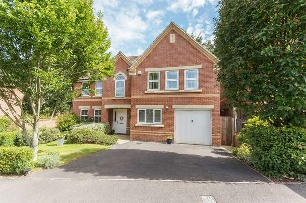 5 Bedrooms Detached House for sale in Lamtarra Way, Newbury, Berkshire