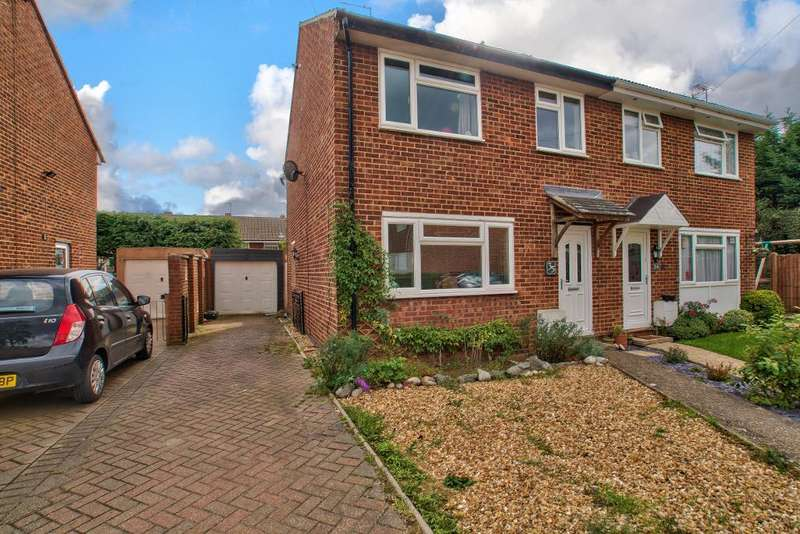 3 Bedrooms Semi Detached House for sale in Paddock Close, Clapham, Bedford, MK41 6BD