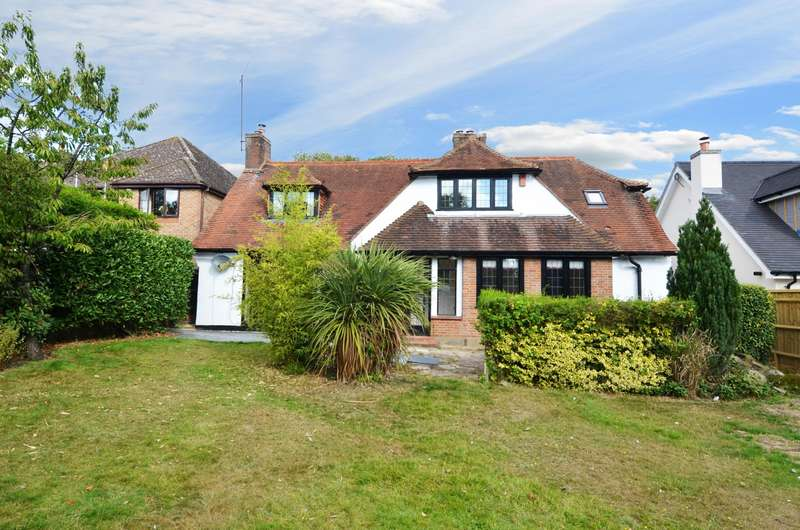 4 Bedrooms Chalet House for sale in Swains Lane, Flackwell Heath, HP10
