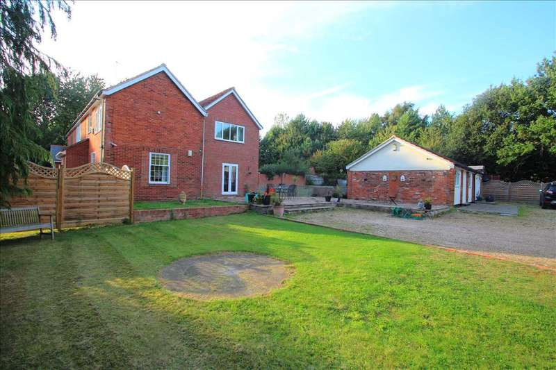 4 Bedrooms Semi Detached House for sale in Red Brick Cottages, Colchester