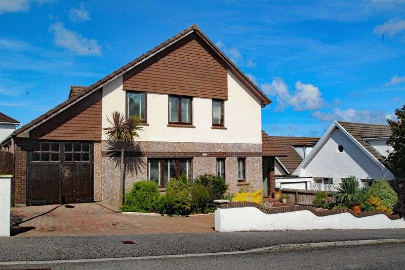 4 Bedrooms Property for sale in Hillcrest Close, ST COLUMB