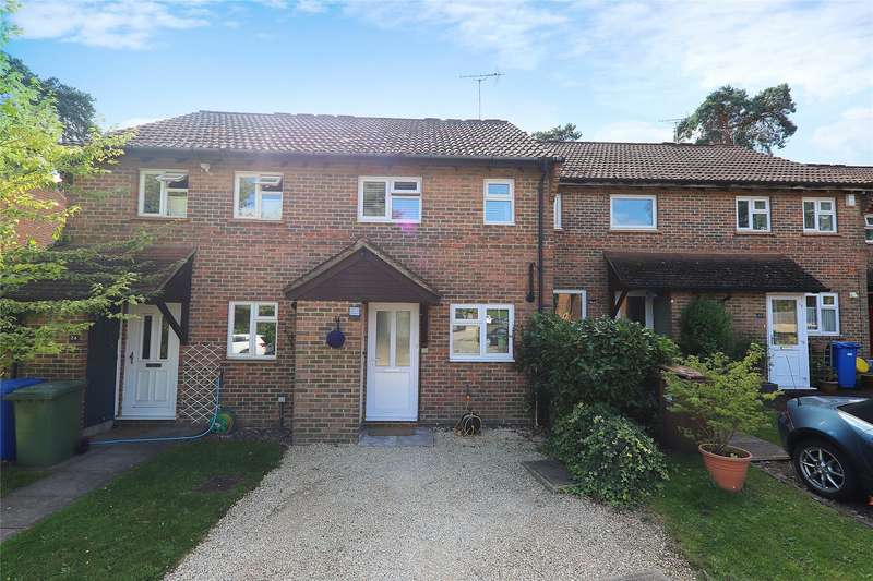 2 Bedrooms Terraced House for sale in Coombe Pine, Bracknell, Berkshire, RG12