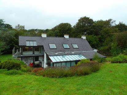 3 Bedrooms Detached House for sale in Bethel, Caernarfon, Gwynedd, LL55