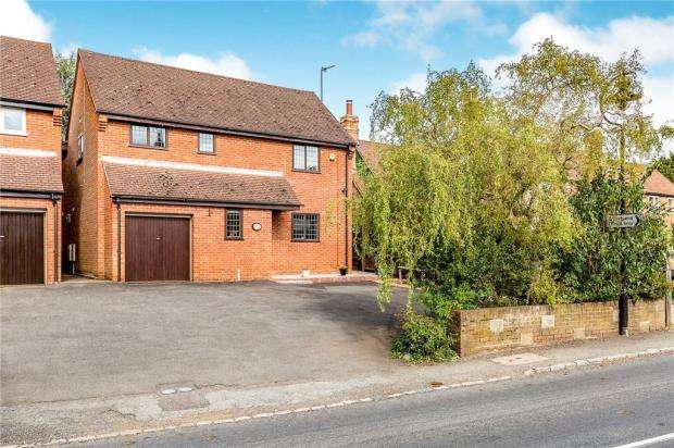 4 Bedrooms Detached House for sale in Main Street, Gawcott, Buckingham