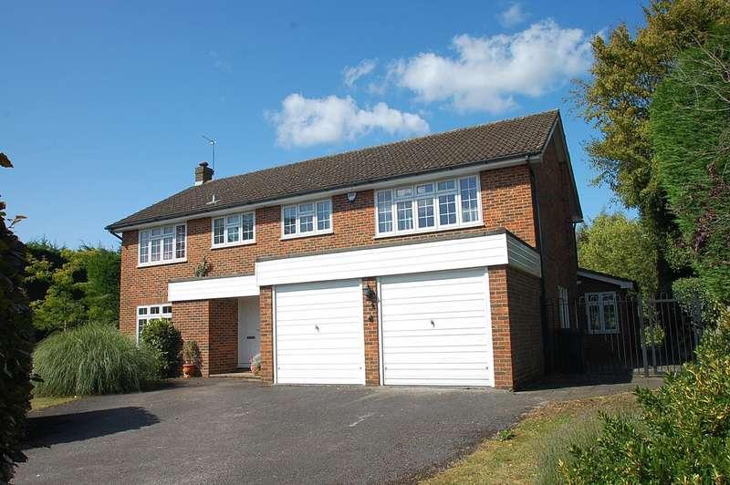 5 Bedrooms Detached House for sale in Penshurst Close, Chalfont St. Peter, SL9