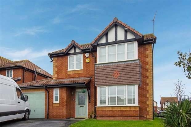4 Bedrooms Detached House for sale in Llys Aled, Prestatyn, Denbighshire