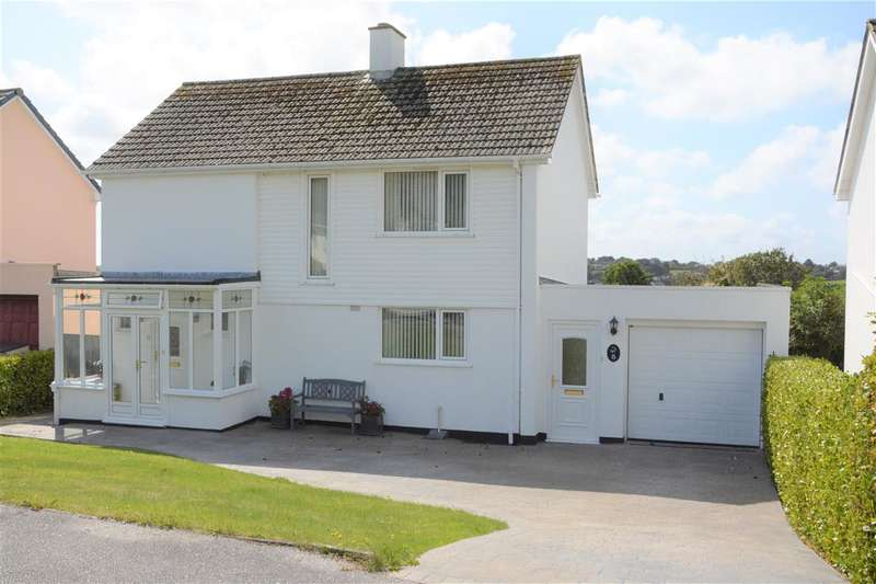 3 Bedrooms Detached House for sale in Mevagissey, Cornwall. PL26