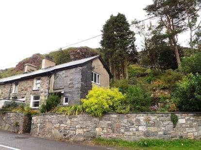 2 Bedrooms End Of Terrace House for sale in Upper Llwyngell Terrace, Rhiwbryfdir, Blaenau Ffestiniog, Gwynedd, LL41