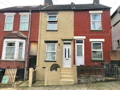 3 Bedrooms Terraced House for sale in Beech Road, Luton, Bedfordshire, England