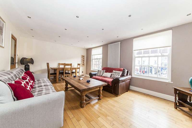 3 Bedrooms Flat for sale in High Street, Yarm, TS15