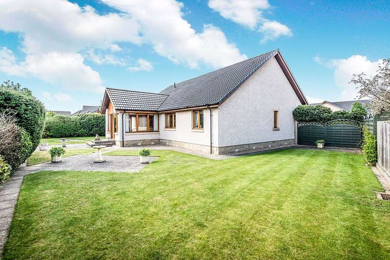 3 Bedrooms Detached Bungalow for sale in Old Bar Road, Nairn, IV12